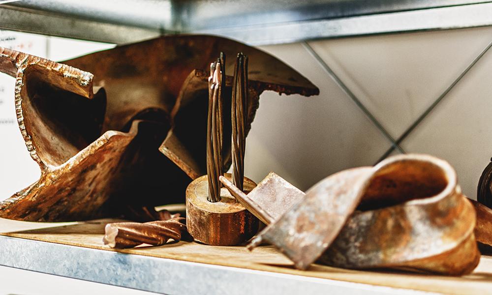 Metallische Bauteile im Baulabor
